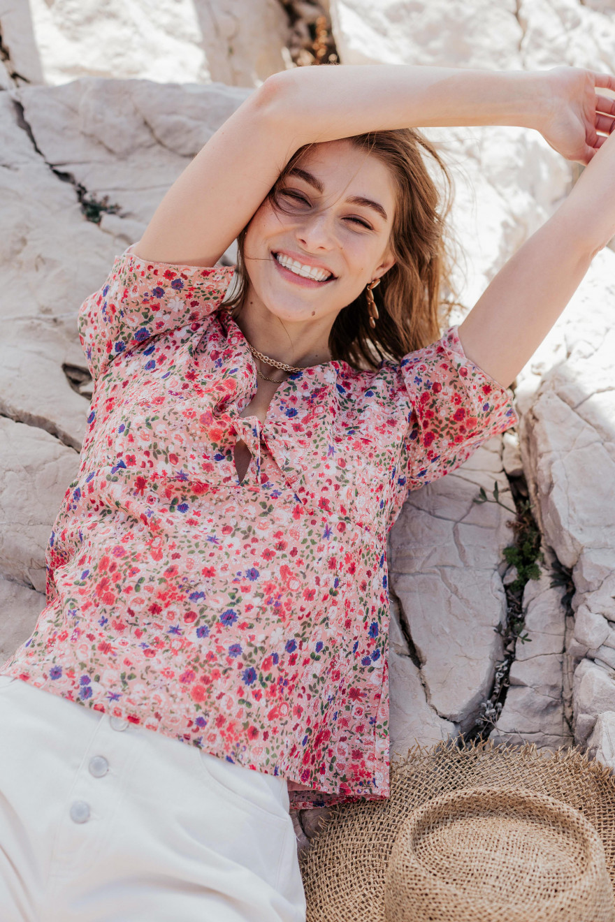 Anna romantic blouse